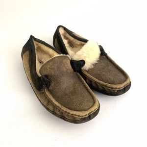 Ugg Byron Men Slippers No Laces Mens sz 9